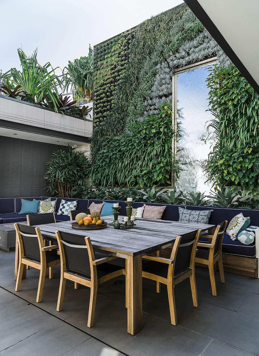 Scaled Rose Bay lounge dining