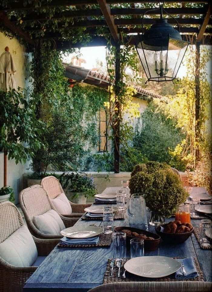 meubles-rustiques-table-rustique-de-jardin-table-en-bois-massif ...