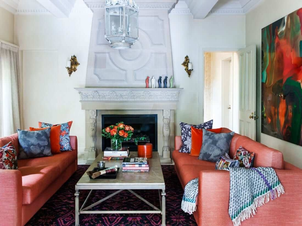 "Pantone Colour of the Year ""Living Coral"" at Centennial Park Residence"